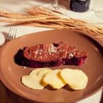 Comida casera carnes a la brasa en Calatañazor cerca de la Fuentona