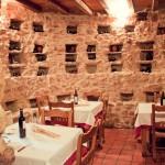 Restaurante en Calatañazor de comida tradicional con Carnes a la brasa, vinos de la tierra
